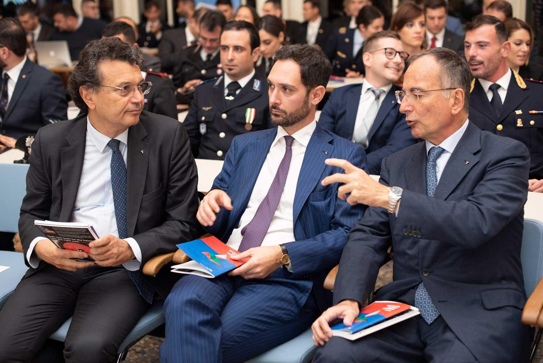 Andrea Chiappetta e Franco Frattini durante il Premio Italia Giovane 2019
